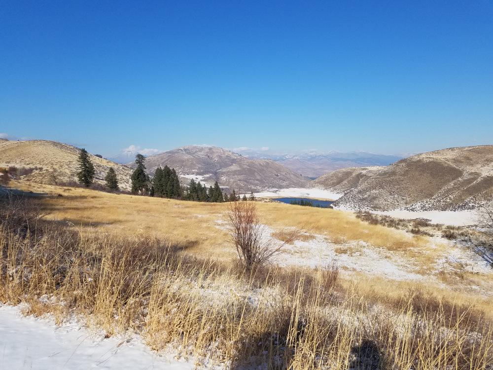 Hiking in Fall Methow Valley, Aspen Lake Winthrop, Wa